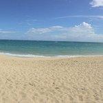 Foto de Golden Beach (Playa Dorada)