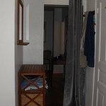 le rideau séparant les 2 chambres dans la suite familiale