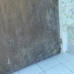 puerta lado interno del baño de la habitacion