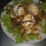 Salade de chèvre chaud