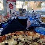 L'énorme pizza !! 😋
