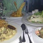 Lomito base de arracacha, lomo YinYang y ensalada silva
