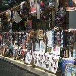 la rue et ses affiches