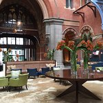 Entry hall and check-in foyer St Pancras Hotel