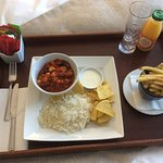 Room service, vegetarian Chilli, is absolutely delicious .