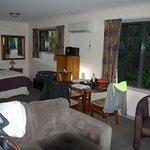 salon et chambre autre cottage
