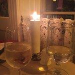 Un très bon souper et un bon vin pour un souper dans une ambiance relaxe.  A essayer si vous pas