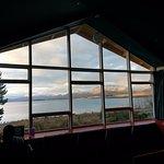 交誼廳的大窗子, 可以坐在窗前看風景、看書等
