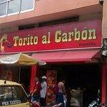 Excelente lugar para almorzar, deliciosa carne de res y cerdo asada, la especialidad.