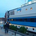 Eastern Comfort Hostelboat Foto