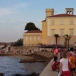 pedestrian walk to Rialto