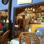Blick vom Gastbereich zur Bar