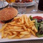 le hamburger maison et son accompagnement