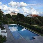 Environnement de l'hôtel et sa piscine