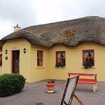 Foto de The Thatch Cottage
