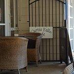 Curtis Falls Cafe Foto