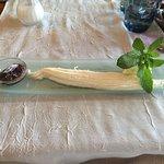 Jonchée avec confiture de figues