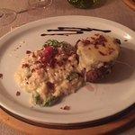 Risoto de presunto parma com aspargos frescos efilé mignon com queijo brie e presunto parma croc