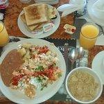 Buffet desayuno incluido