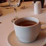 Chá de coca oferecido na recepção.