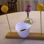 chariot de petits desserts pour le café