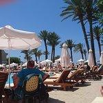 Photo de Constantinou Bros Pioneer Beach Hotel