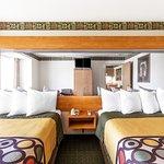 Super 8 Midvale Double Queen bed room