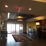 Photo de Hampton Inn & Suites by Hilton Red Deer