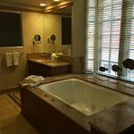 Master Bathroom, Whirlpool tub, Ultimate