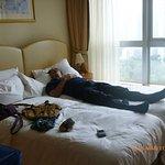 kecapean sampai hotel langsung bobo