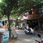 Laugh Cafe Restaurant Foto