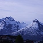 Mountain Sky Hotel: views near the hotel of the mountain panorama near Valdez