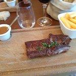 Onglet du Boeuf con salsa al pepe nero e frites