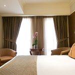 Photo de Hera Hotel