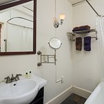 The Batby Suite Private Bath