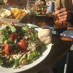 Heerlijke Carpaccio Salade met frietjes