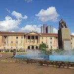Estatua del ex-presidente Kenyatta