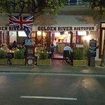 Photo de Golden River Pub