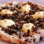 pizza Aquilana
