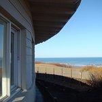 Vista desde el hotel que fue construído en uno de los médamos de arena del lugar