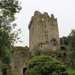 Walking up to Blarney Castle