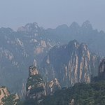 Photo de Mt. Huangshan (Yellow Mountain)