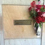 Pierce Brothers Westwood Village Memorial Park Foto