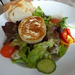 Salat mit Ziegenkäse, kleine Portion