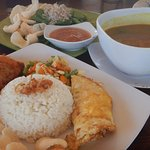 Nasi Campur Ayam, Kelak Kuning, Plecing Kangkung
