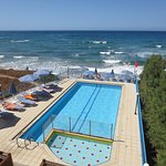 Photo de Danaos Beach Hotel