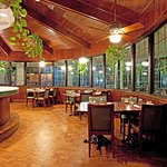 Enjoy Breakfast and Dinner at the Three Oaks Grill