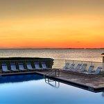 Foto de Sailport Waterfront Suites
