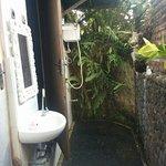 Photo de Bali Homestay Cepaka