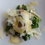Salat mit Schafskäse aus der Bio-Schafskäserei